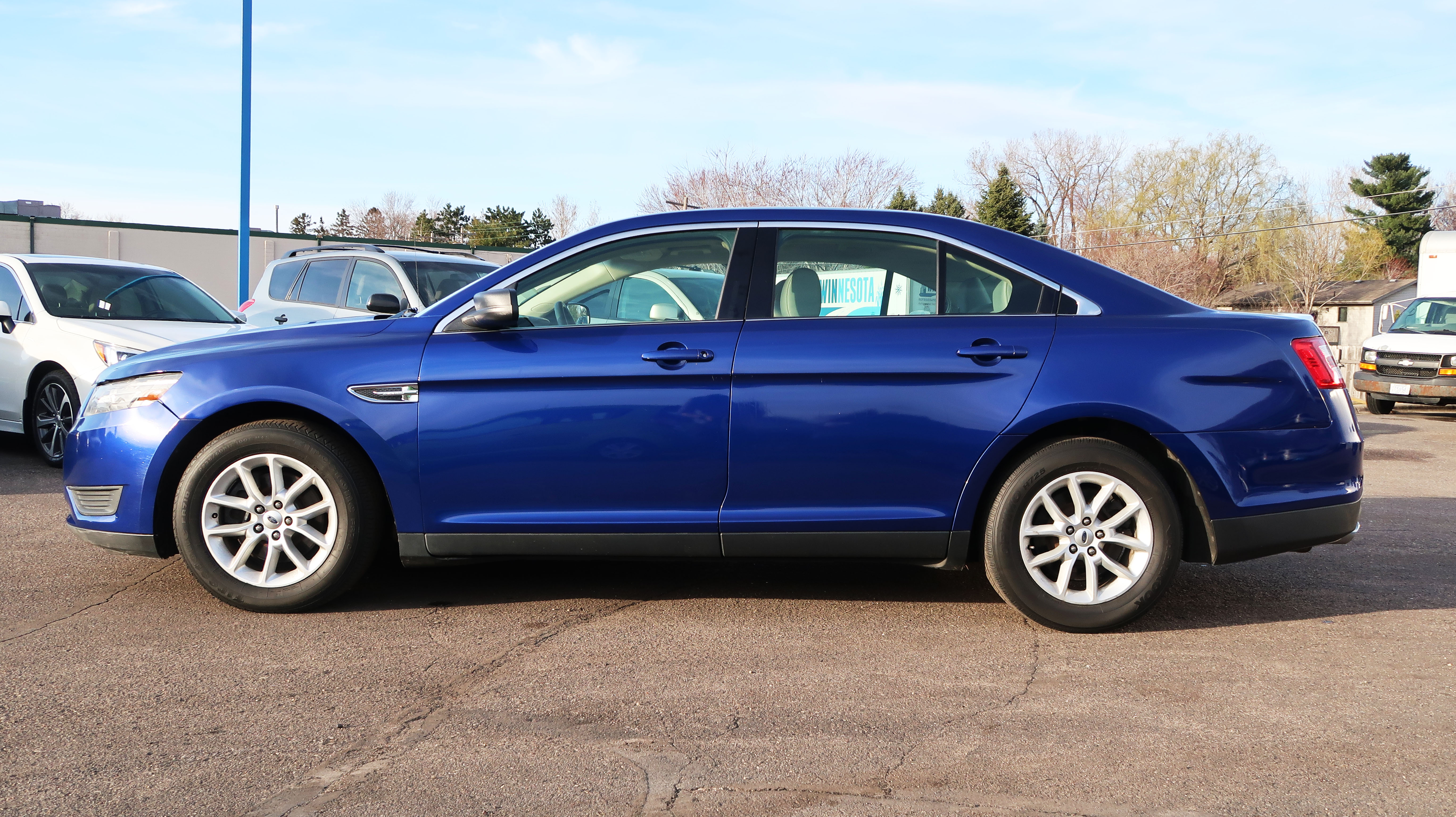 2013 Ford Taurus Sedan - PROAUTO DEALERSHIP